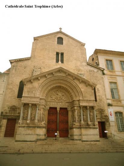 Cathédrale Saint Trophime 1